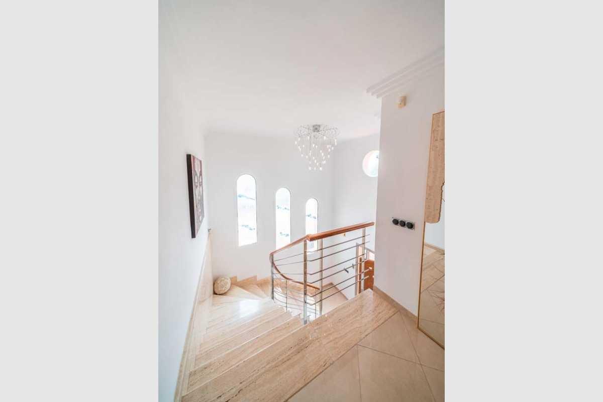 Treppenhaus von der ersten Etage Haus Portocolom
