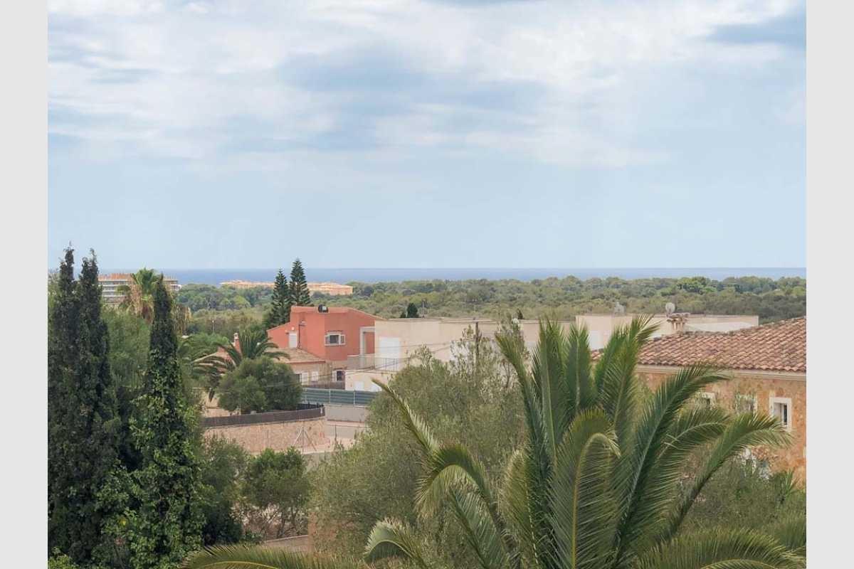 Blick zum Meer von der Dachterrasse Portocolom