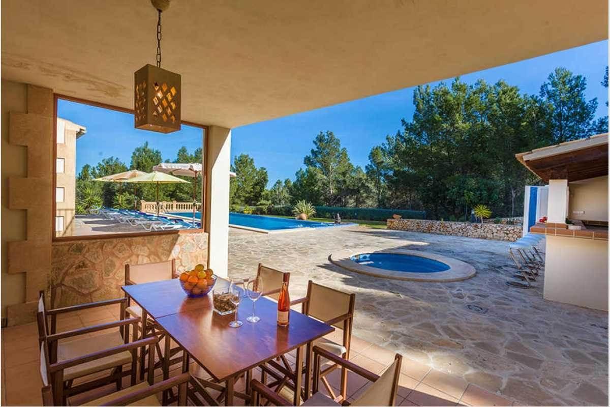 Terrasse Poolbereich Finca San Salvador Mallorca