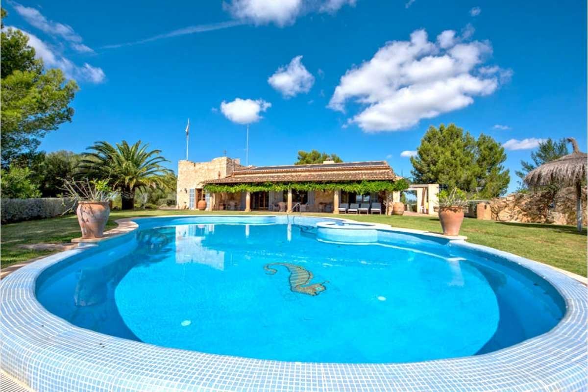 Pool mit Kinderpool auf Mallorca
