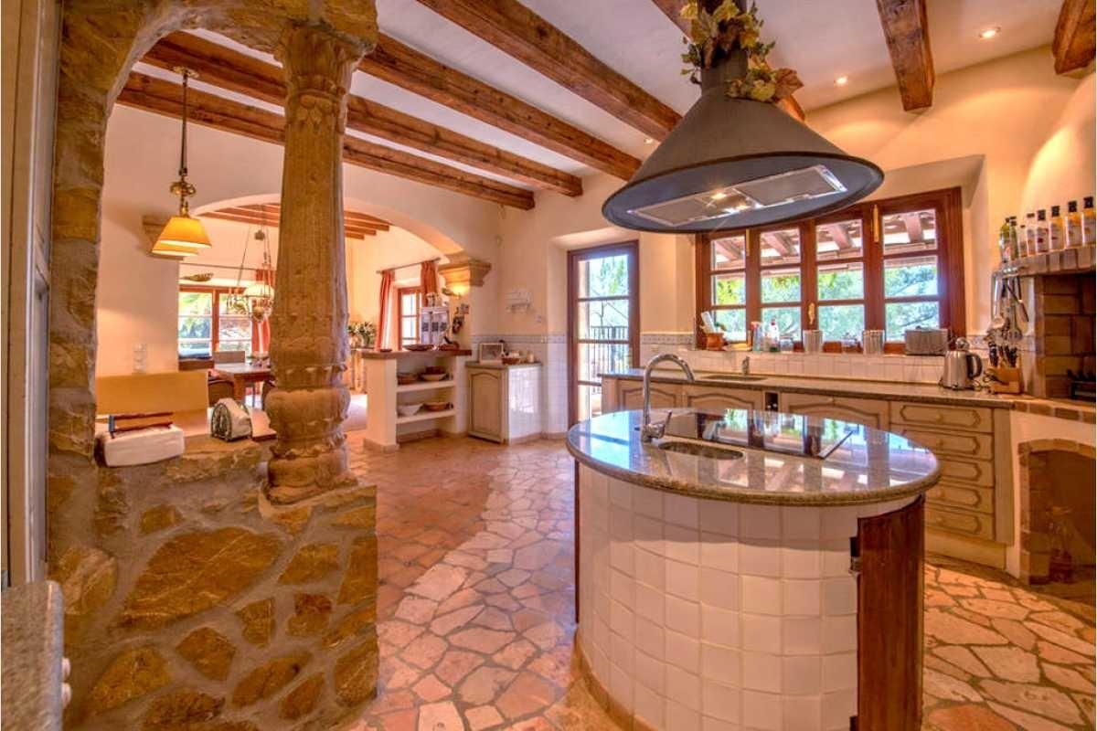 Küche mit Kamin Son Macia