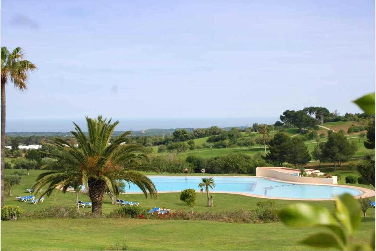Blick auf Pool im Golfplatz Vall Dor Mallorca
