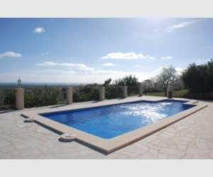Swimming Pool mit schöner Aussicht auf Portocolom Haus Shorta
