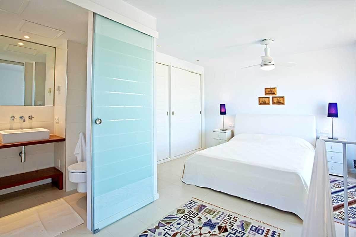 Bedroom Nº 1