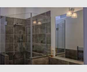 Badezimmer unten Stadthaus Shorta