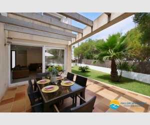 Haus mit Pool zu verkaufen