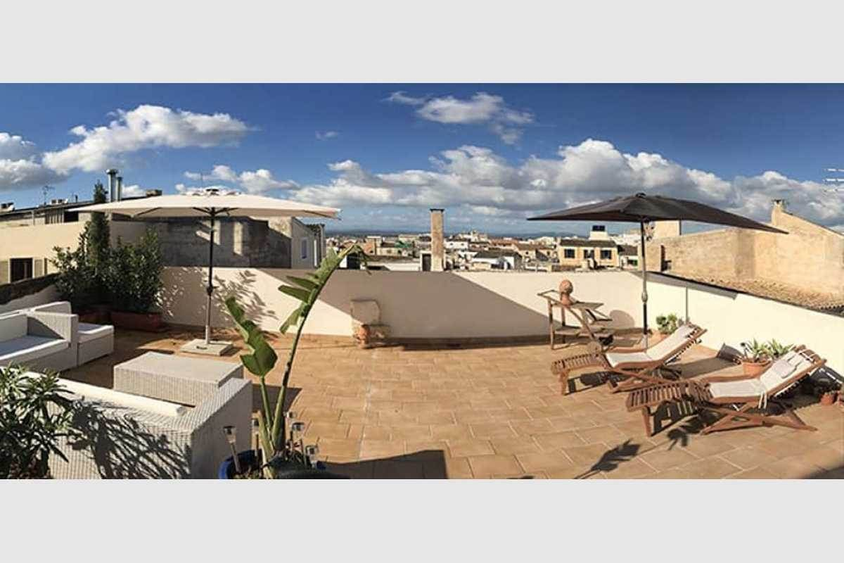 Chill-out Bereich mit Blick auf Tramontan auf Mallorca